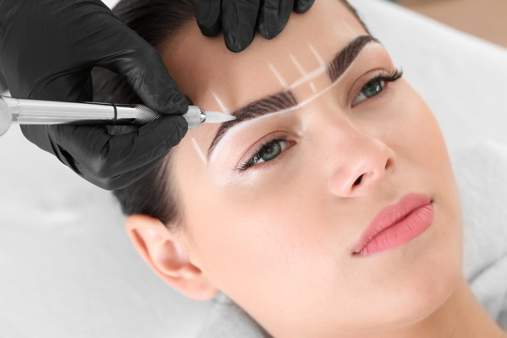 semi permanent lip and eyebrow makeup maleny qld - waxing - facials - cosmetic tattoo maleny